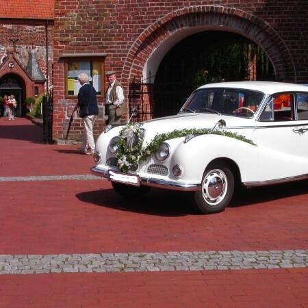 BMW 501 Barockengel Oldtimer Hochzeitsauto