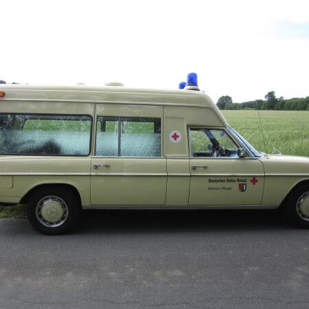 Oldtimer Hochzeitsauto Krankenwagen Mercedes