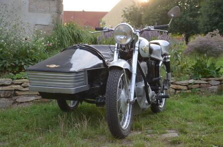 JAWA Oldtimer Hochzeitsauto Hochzeitsmotorrad