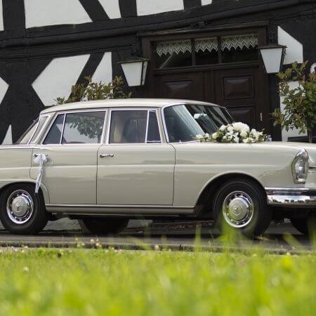 Mercedes Heckflosse Oldtimer Hochzeitsauto