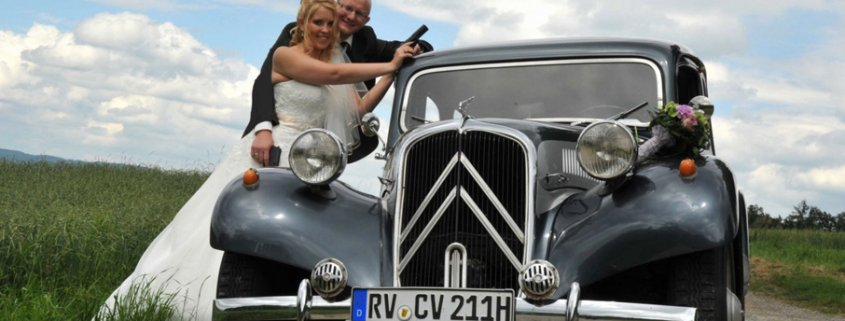 Brautpaar Oldtimer Hochzeit 11 CV