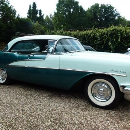 Oldsmobile Holiday Super 88